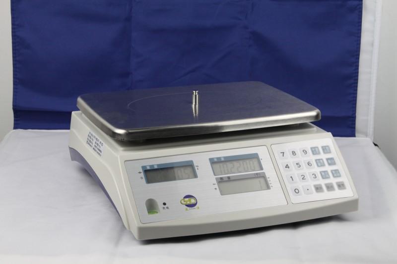 产品参数: 品 牌:亚津 量 程:1.5—30kg 分度值:0.02-0.5g 分辨率:1/30000-1/60000 显 示:LCD液晶背光显示 单 位:kg/g/lb/oz可转换 不锈钢秤盘:230*300mm 交 流:~220V(+10%~-15%)/50Hz 直 流:6V/4Ah可充电蓄电池可选配RS-232通讯接口 买家必读事项 一、关于产品:我司所有产品都是厂家直接发的,我们的产品都是实景拍摄照片。由于拍摄光线等因素,收到的实物颜色可能会有点差别,请以实物为准! 二、发货时间:一