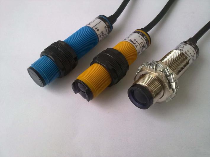 e3f-ds30c4光电传感器