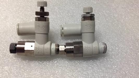 接方式,左边的回路为排气节流方式,换向阀通电后,气缸进气侧的单向阀图片