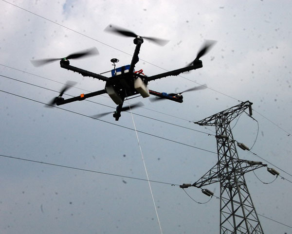电力巡线拉线遥控飞行器